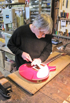 Lee works on new scratchplate